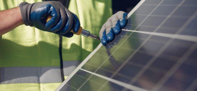 """เรื่องที่จะต้องรู้ว่า """"ทำไมเราถึงต้องติดแผง Solar cell"""" ให้กับบ้าน"""